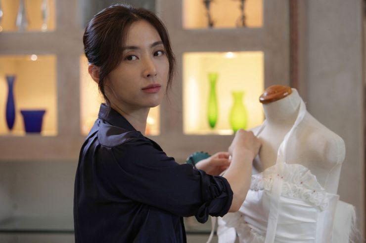 Preview Sinopsis K Movie Wedding Dress